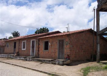 Casas novas construídas pela Generous Hearts.